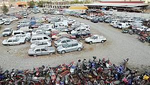 Hurda araç trafiği aksatıyor