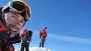 Türk dağcı, zirvede kalbine yenik düştü