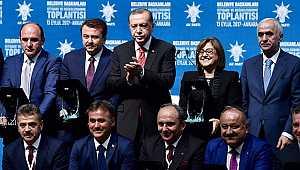 Türkiye'nin en başarılı belediye başkanı seçildi