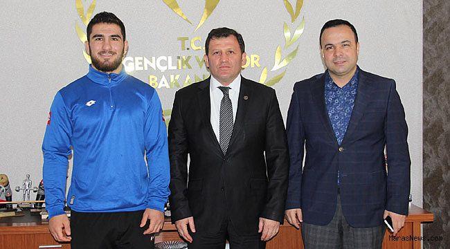 Feyzullah Aktürk Türkiye Şampiyonu