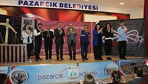 """Dikkat aile var"" Pazarcık'ta sahnelendi"
