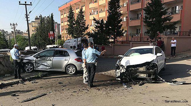 İki otomobil kafa kafaya çarpıştı, 7 yaralı!