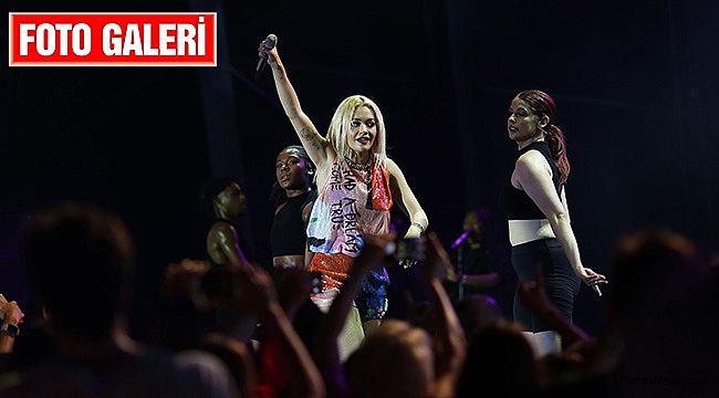 Regnum Live in Concert, Rita Ora ile başladı