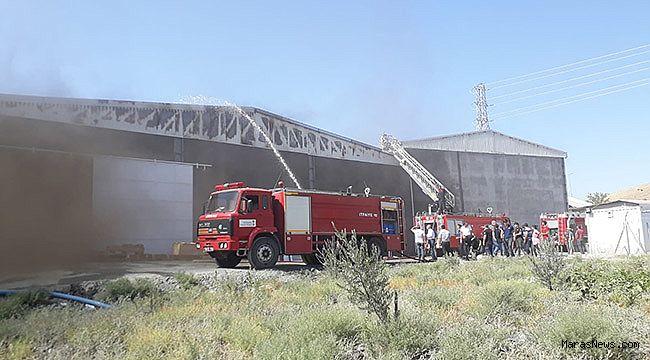 Türkoğlu'ndaki fabrika yangını korkuttu