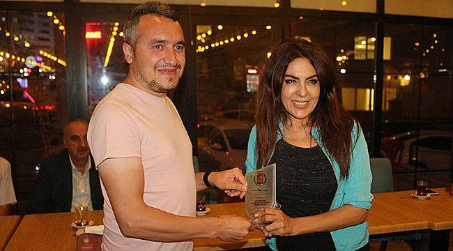 Gazeteci Dilek Akın'a Ödül