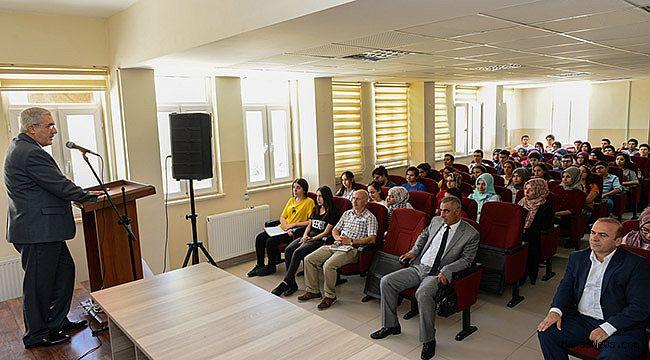 Liselilere Yılın İlk Dersini KSÜ Öğretim üyeleri verdi