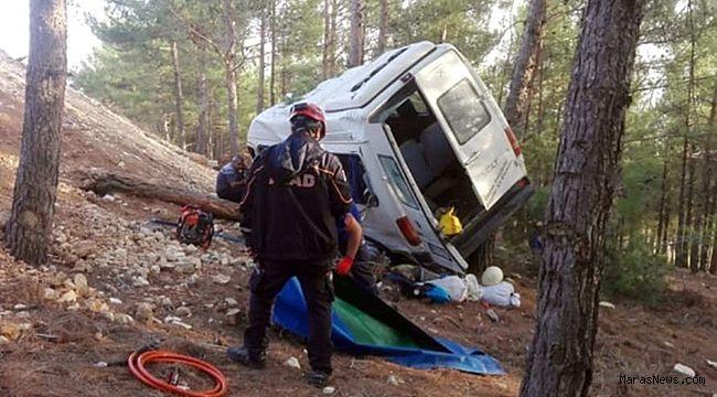 Minibüs şarampole uçtu: 1 ölü 10 yaralı