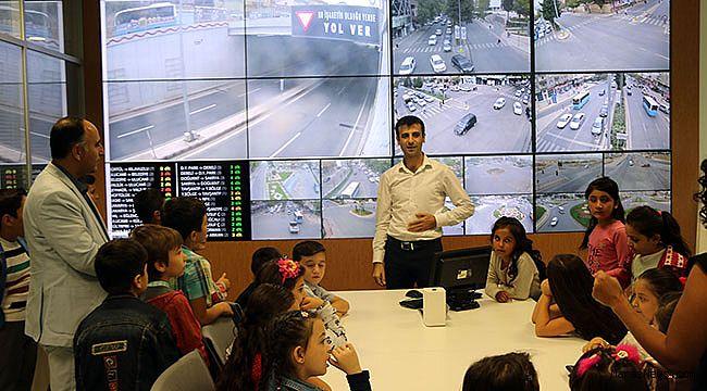 Miniklere Canlı Trafik Eğitimi