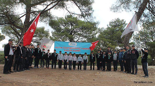 İzciler; Aliya İzzetbegoviç'i anma kampı düzenledi