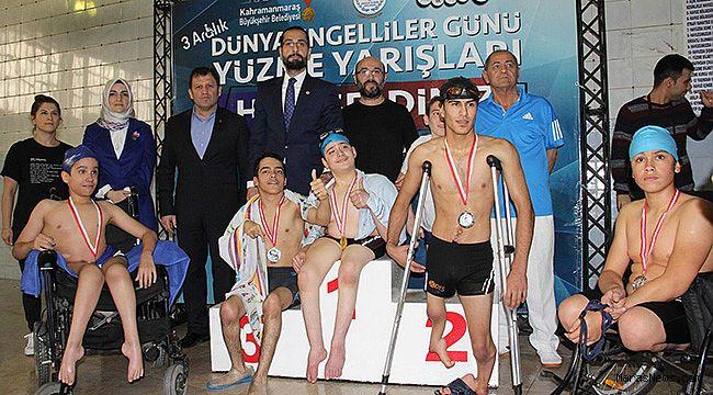 3 Aralık Dünya Engelliler Günü Yüzme yarışları düzenlendi