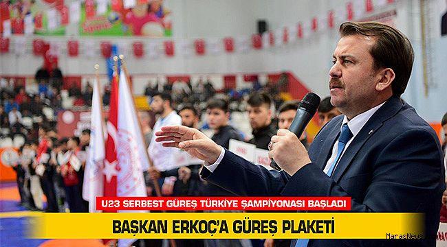 Başkan Erkoç'a Güreş Plaketi