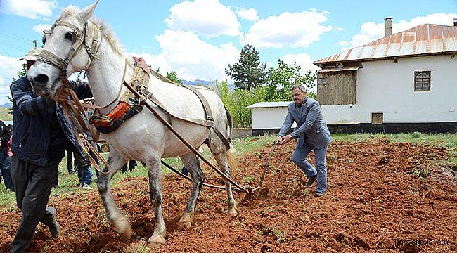 Başkan Aydın tarım dünyanın her ülkesinde stratejik bir öneme sahiptir