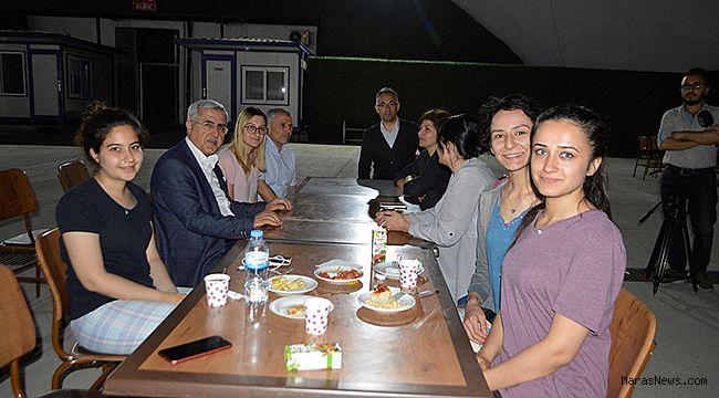 Rektör Prof. Dr. Niyazi Can öğrencilerle Sahur yaptı