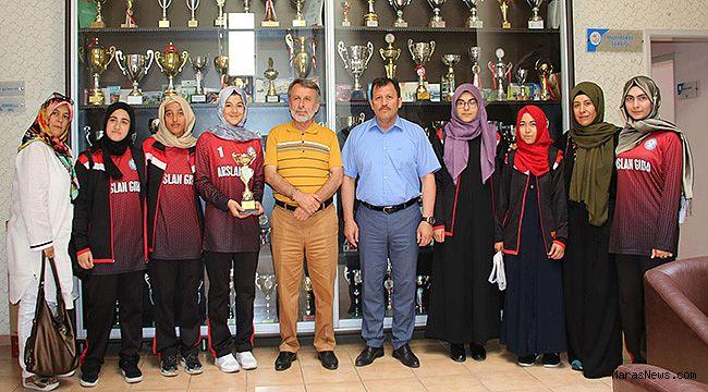 Türkiye 3.sü Liseli Kızlardan Kabakcı'ya ziyaret