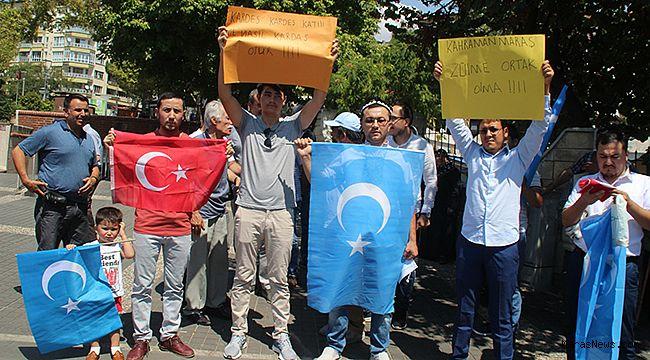 Doğu Türkistanlı öğrencilerden Büyükşehir'e sert tepki!