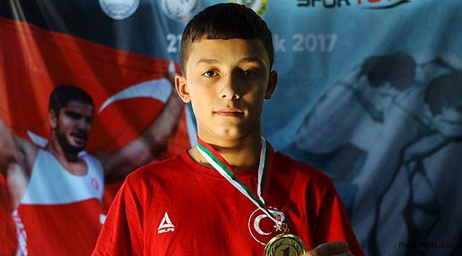 Balkan şampiyonu milli güreşçi hedef büyüttü
