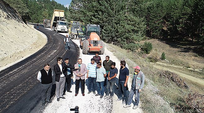 Büyükçamurlu gurup yolu asfaltlanıyor