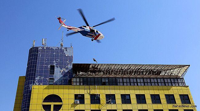 Helikopterle yaralı kurtarma operasyonu nefes kesti!