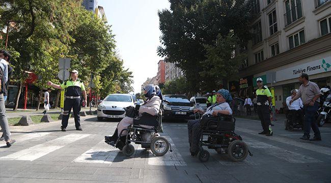 Kahramanmaraş'ta kolluk personeli yaya nöbeti tuttu