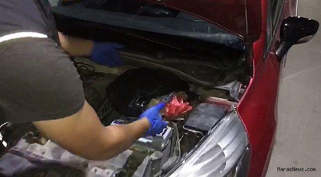 Otomobilin motorundan uyuşturucu çıktı