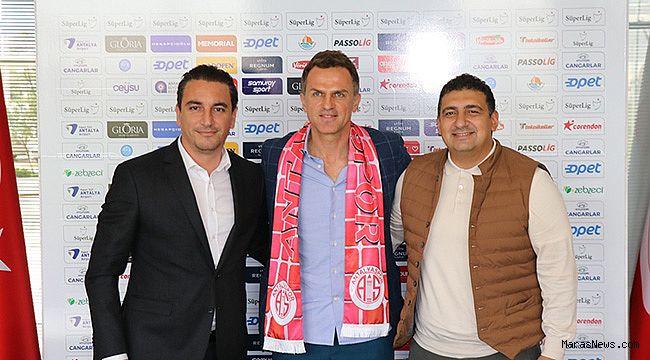 Antalyaspor'da Stjepan Tomas dönemi resmen başladı