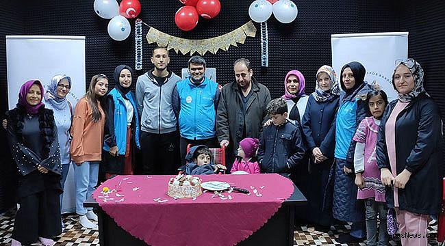 Kahramanmaraş'ta Suriyeli engelli çocuğa doğum günü sürprizi