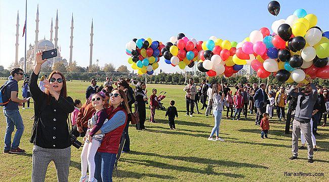 Öğretmenler 3 bin balon uçurdu