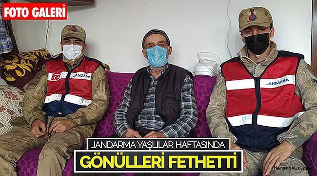 Jandarma yaşlılar haftasında gönülleri fethetti