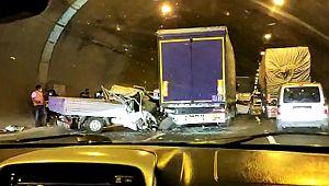 Tünelde zincirleme kaza: 4 yaralı