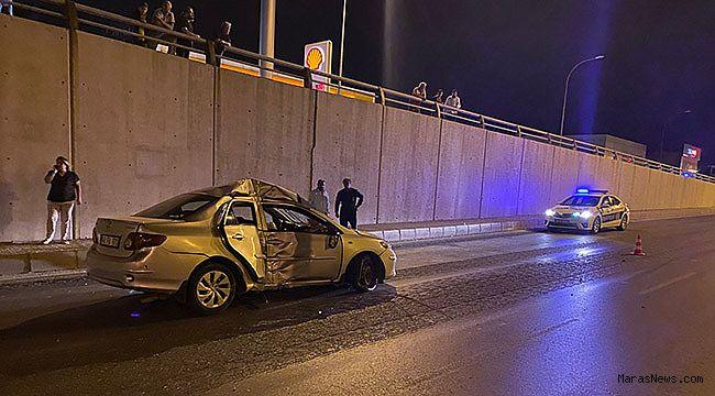 Otomobil beton elektrik direğine çarptı: 1 yaralı